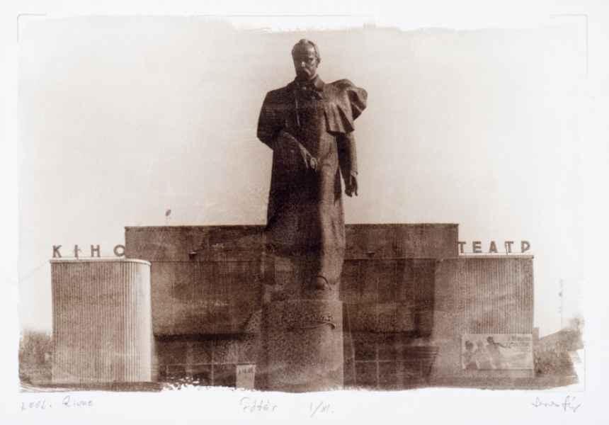 Főtér Rivne-ben 2002.